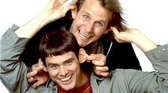 Dumb and Dumber To (Una pareja de idiotas), protagonizada por Jim Carrey y Jeff Daniels, mostrará a la pareja de amigos que nuevamente sale de viaje en busca de una persona: la hija perdida de Harry. Estreno: noviembre de 2014.