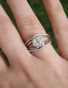 Talk about an amazingly unique engagement ring!!! #engagement #ring #weddings