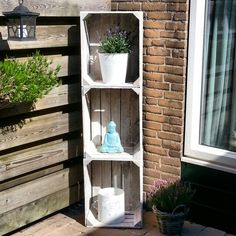 Zelfgemaakte tuinkast van fruitkistjes Creation Deco, Home Renovation, Container Gardening, Crates, Projects To Try, Creations, Home And Garden, Yard, Garden Decorations