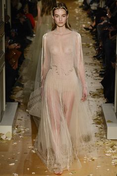 Valentino Spring 2016 Couture Fashion Show - Maartje Verhoef (Women)