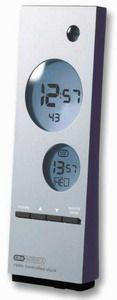 Den bedste teknik er indbygget i dette ur. Verdens-uret viser time, minut,  sekund, ugedag og dato for 130 byer i hele verden.  - Radiostyret verdensur: Viser tiden for 130 byer i verden - 100% nøjagtigt - Skifter automatisk mellem sommer- og vintertid - Inkl. beslag til montering på væg eller opstilling på bord - Excl. batteries (2 x AAA 1.5V) se relaterede produkter nedenfor!
