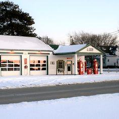 Gas Station on Old Route 66 in Dwight, Illinois