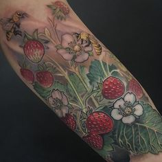 Thank you Carisma for letting me do my jazz!  #mtl #montreal #montrealtattooartist #ladytattoo #ladytattooers #strawberries #straberrytattoo #planttattoo #botanical #botanicaltattoo #bees #beesandflowers #sexytime #colortattoo #tattoo #tattoos #tattooedwoman #tattooedwomen #greatwhitenorthtattoos #tattoosnob