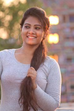 Tamil News Anchor & Beautiful Model Dhivya Dhuraisamy Latest Stills. Beautiful Girl In India, Beautiful Women Over 40, Most Beautiful Faces, Beautiful Girl Photo, Most Beautiful Indian Actress, Beautiful Models, Beautiful Beautiful, Beautiful Actresses, Beautiful Things