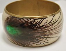 """VINTAGE BRASS BANGLE BRACELET PEACOCK FEATHER 1.5"""" WIDE 8"""" HEART CUT OUT ACRYLIC"""