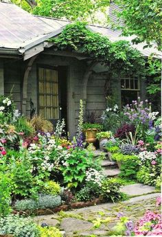 Wonderful Cottage Garden Design Ideas: Lavender Garden Cottage: Cottage Style Party & What I'm Garden Paths, Garden Landscaping, Landscaping Ideas, Walkway Ideas, Backyard Ideas, Garden Art, Gravel Garden, Garden Mesh, Landscaping Borders