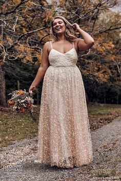 We have selected beautiful plus-size wedding dresses. These dresses have excellent design. Find the dress of your dreams and be the most attractive bride. Plus Size Brides, Plus Size Gowns, Wedding Dresses Plus Size, Plus Size Wedding, Bridal Gowns, Wedding Gowns, Wedding Blog, Wedding Venues, Wedding Bride