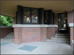 Frederic C. Robie House -front entrance 1909 Chicago IL Frank Lloyd Wright (1867-1959)