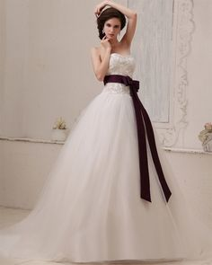 Ball Gown Sweetheart Sleeveless Chapel Train White Ruffles Tulle Wedding Dress WS1169
