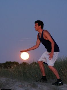 *** Nain.de.Jardin *** basketball, sand art, sun moon, optical illusions, la luna, moon art, game, baskets, art pictures