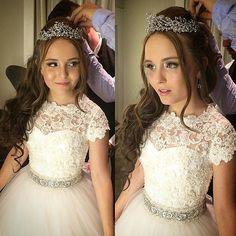 LARISSA MANOELA usa Coroa Graciella Starling [Brand] @graciellastarling Segundo penteado …Instagram photo   Websta (Webstagram)