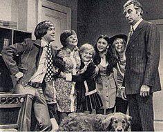 Quelle famille! est une série télévisée québécoise en 179 épisodes de 25 minutes diffusée du 7 septembre 1969 au 19 mai 1974 à la télévision de Radio-Canada.