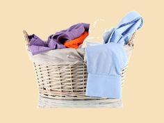 5 Trucos caseros para evitar que la ropa se destiña al lavarla