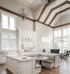 So in love with this kitchen!!!!