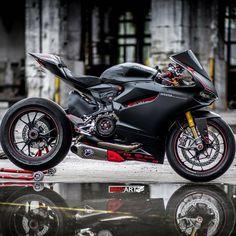 2014 Ducati Panigale 1199 S black Moto Scrambler, Moto Ducati, Ducati Motorcycles, Cars And Motorcycles, Motorcycle Dirt Bike, Moto Bike, Ducati 1199 Panigale, Custom Sport Bikes, Bike Photo