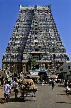 Temple India, Hindu Temple, Hindu Deities, Hinduism, Lord Photo, Indian Temple Architecture, Galaxy Phone Wallpaper, Bamboo Light, Durga Images