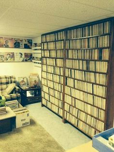 Collecting Vinyl Records-for the latest vinyl record information Vinyl Record Shop, Vinyl Record Collection, New Vinyl Records, Vinyl Cd, Vinyl Record Storage, Vinyl Music, Lounge Club, Long House, Vinyl Collectors