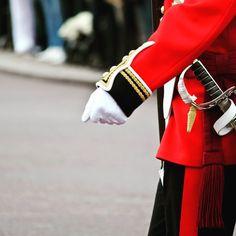 Rule Britannia #instagram #instadaily #travel #igers #igerslondon #london #londres #garderoyale #buckinghampalace #royalguards #relevedelagarde #photo #photooftheday #instadaily by f4bc0m