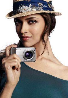 Beautiful Bollywood Actress, Beautiful Actresses, Bollywood Saree, Bollywood Fashion, Indian Film Actress, Indian Actresses, Star Fashion, Fashion Beauty, Fashion Outfits