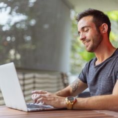 Looking for online proofreading jobs to work from home? Here is a list of 31 online proofreading jobs for beginners. Start earning today as a proofreader! Online Survey Sites, Online Surveys For Money, Online Jobs From Home, Work From Home Jobs, Make Money Online, Online Courses, Online Income, Online Work, Need Money Now