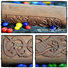 Nadeldose mit Osebergschnitzereien, www.weltenwanderer.info/werkelblog