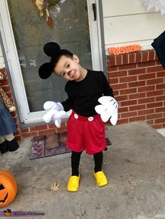 diy mickey mouse costume | Mickey Mouse Cuteness Overload