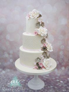 bruidstaart romantische cascade