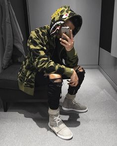 Bape X Camouflage Jackets Available Now . Bape Outfits, Fashion Outfits, Fashion Trends, Men's Fashion, Street Fashion, Runway Fashion, Fashion Tips, Mode Masculine, Streetwear Fashion