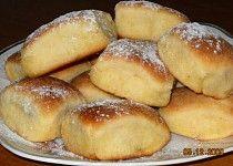 Třené buchty 20 Min, Pretzel Bites, Hamburger, Sweets, Bread, Baking, Recipes, Food, Basket