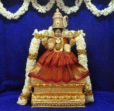 Creed Quotes, Lakshmi Images, Puja Room, Shiva Shakti, God Pictures, Indian Gods, Durga, Hinduism, Goddesses