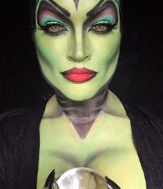 Looking for for ideas for your Halloween make-up? Browse around this site for scary Halloween makeup looks. Disney Character Makeup, Disney Villains Makeup, Maleficent Makeup, Disney Makeup, Ursula Makeup, Disney Villain Costumes, Maleficent Cosplay, Maleficent Halloween, Malificent