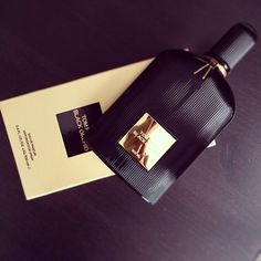 Uploaded by 𝐻𝒶𝓇𝓂𝑜𝓃𝓎. Find images and videos about black, luxury and gold on We Heart It - the app to get lost in what you love. Perfume Scents, Perfume And Cologne, Perfume Bottles, Tom Ford Perfume, Tom Ford Black Orchid, Smells Like Teen Spirit, Tumblr, Body Spray, Smell Good