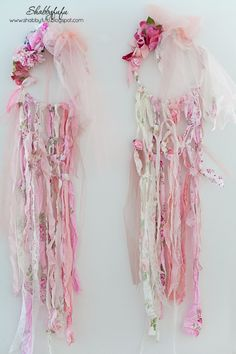 shabby chic dreamcatchers for a girl's room or baby nursery to bring sweet dreams and good luck. Macrame shabby chic style