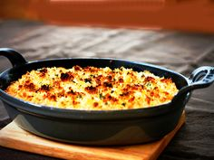 Hachis Parmentier – a French meat and potato pie French Dishes, Italian Dishes, Canadian Food, Canadian Recipes, Canadian Thanksgiving, Potato Pie, Sweet Potato, Italian Meats, Potato Toppings