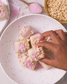 Apple Discover Strawberry Milkshake Nice Cream Bites Simple frozen treats that are super versatile AND super delicious! Köstliche Desserts, Frozen Desserts, Delicious Desserts, Yummy Food, Homemade Desserts, Tasty, Indian Dessert Recipes, Nice Cream, Desert Recipes