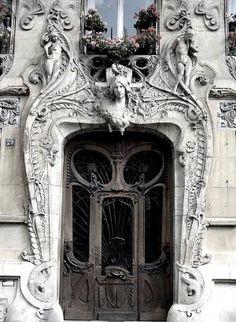 Ave Rapp, Paris.