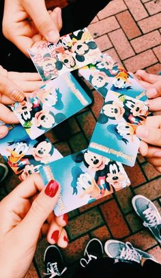 Image in disneyland/universal 🌎✨ collection by L I V Disney Dream, Disney Love, Disney Magic, Disneyland Trip, Disney Vacations, Disney Trips, Disneyland Photos, Walt Disney World, Disney Pixar
