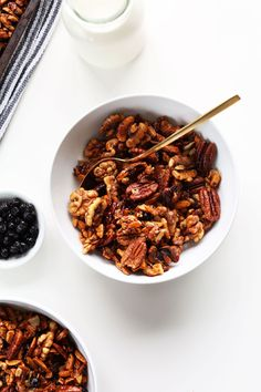 30 Minute GRAIN FREE Granola! So simple, easy, crunchy and naturally sweet! #vegan #glutenfree