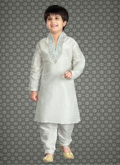 Latest Indian wedding Wear For Kids in White Color with Crystal stones and Beads work Baby Boy Dress, Baby Boy Outfits, Kids Outfits, Boys Wedding Suits, Wedding Dresses For Kids, Wedding Ideas, Kids Dress Wear, Boys Wear, Kids Kurta