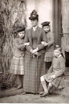 Princess Louise Connaught and children
