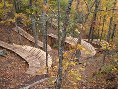 The Trails: Copper Harbor is a small town perched on the north-most point of Michigan's Keweenaw peninsula. With a year-round population of just 82 Bmx, Mtb Bike, Mtb Trails, Mountain Bike Trails, Copper Harbor Michigan, Moutain Bike, Bike Magazine, Bike Parking, Parking Design