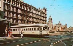 Tranvia en su recorrido Calles Vanustiano Carranza cruce con Pino Suares, durante la decada de 1960s.
