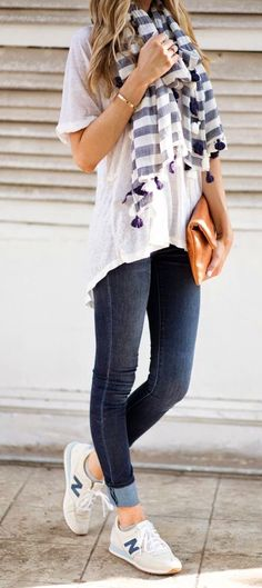 summer outfits White Tee + Striped Scarf + Dark Skinny Jeans + White Sneakers