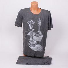 Ефектна мъжка пижама за топлите летни нощи. Горната част е тениска в графит  с къси 270d384edb60d
