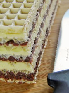 sio-smutki! Monika od kuchni: Dwukolorowe wafle Polish Desserts, Polish Recipes, Polish Food, Sweet Recipes, Cake Recipes, Dessert Recipes, Waffle Cake, Lime Cake, Wafer Cookies