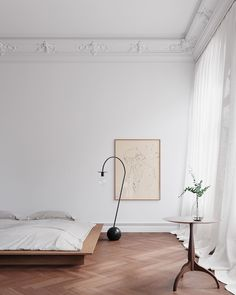 Lastest Home Design. Try These Useful Ideas For Home Improvement. You don't want a house that is structurally unsafe or filled with inferior home improvement work. Minimalist Apartment, Minimalist Home Decor, Flat Interior, Apartment Interior Design, Stockholm Apartment, Parisian Apartment, House Inside, Home Living, Decoration