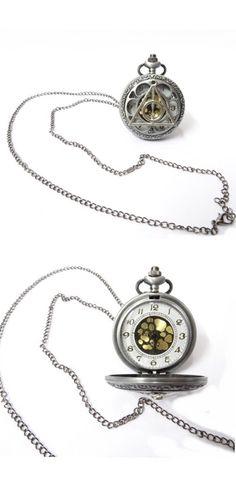 Relógio de bolso com símbolo das Relíquias da Morte
