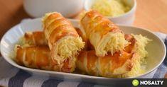 Ha már sütögetünk, ne ragadjunk le az édességeknél, a vendégek úgyis vágynak majd a sósra, higgyétek. el. A leveles tészta pedig jó minőségben elérhető a boltból is! Hungarian Recipes, Winter Food, Feta, Sushi, Shrimp, Cheese, Ethnic Recipes, Essen, Sushi Rolls