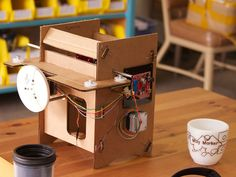 Mug Marker, A Cardboard CNC Machine That Can Draw on Mugs