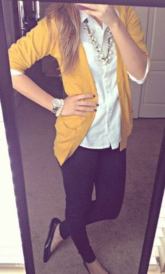 All Things Katie Marie. Blouse: Old Navy Cardigan: Target, Pants: Express, Shoes: Target, Necklace: Kohls, Watch: Michael Kors Teacher Wardrobe, Work Wardrobe, Teacher Clothes, Pastel Outfit, Looks Street Style, Looks Style, Mode Chic, Mode Style, Outfits Leggins